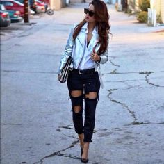 One teaspoon jeans Worn a number of times. Low waist, short ride, skinny leg wth zippers One Teaspoon Jeans Straight Leg