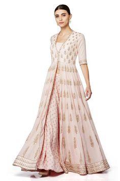 Non bridal Sangeet Sharara Designs, Lehenga Designs, Indian Designer Outfits, Designer Dresses, Indian Dresses, Indian Outfits, Black Dress Outfits, Party Wear Lehenga, Anarkali Dress