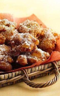 Apple Cinnamon Fritters. #MoistChocolateCakeRecipe Cinnamon Cake, Apple Cinnamon, Healthy Apple Desserts, Fritters, Chocolate Cake, Waffles, Cake Recipes, French Toast, Breakfast