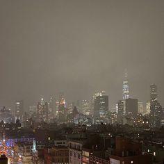 Beautiful World, Beautiful Places, New York Life, Ny Life, City Vibe, Nyc Girl, City Aesthetic, American Gothic, City Limits
