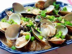 蛤蜊遇上蒜味是如此的對味 冬粉吸附海鮮釋放出的獨特滋味 每一口都鮮美~