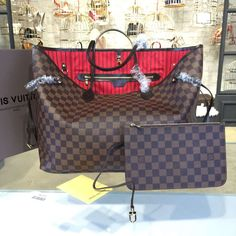 The BEST Louis Vuitton NEVERFULL GM Counter Quality Replica Available Online! Experience the Designer Discreet difference by shopping with us today! Louis Vuitton Handbags 2017, Louis Vuitton Neverfull Gm, Hermes Store, Handbags Online, Luxury Bags, Bag Sale, Fendi, Branding Design, Nordstrom
