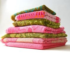 Lot of 7 Vintage Towels . Cotton Terry Cloth . Textured . Bath . Hand . Pinks . Greens . Teal