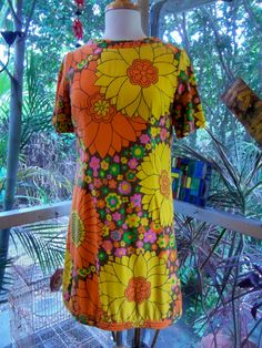 60s Floral Quilted Neckline Mini Dress