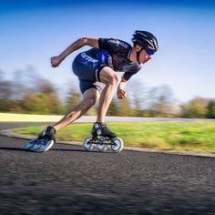 @bart_swings is the fastest man with inline skates on earth. We're super proud to have Bart in the Powerslide Racing team and excited to see him improving even more now that he's skating with the new TRINITY mounting system.  #welovetoskate  #powerslide #inlneskates #powerslideracing #inlinespeedskating  #befreewiththree