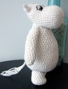 Amigurumi Hippo - looks like a Moomin Crochet Amigurumi, Amigurumi Patterns, Diy Crochet, Crochet Dolls, Crochet Baby, Knitting Patterns, Crochet Patterns, Little Girl Gifts, Moomin