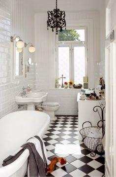 bathroom black and white bathroom ideas bathrooms designs tiles intended for Black Bathroom Floors Decoration Ideas Black White Bathrooms, Black And White Tiles, White Rooms, Bathroom Black, Classic Bathroom, Modern Bathroom, Master Bathroom, Bathroom Interior, Small Bathroom