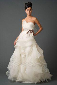 Aライン ウェディングドレス ハートカット ブラシトレーン アイボリー 0212551301
