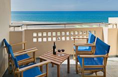 Esperia Beach Apartments || Esperia hotel is located on the blue-flag beach of Rethymno, 2 km from the historic town centre, with many restaurants, bars and super markets nearby.