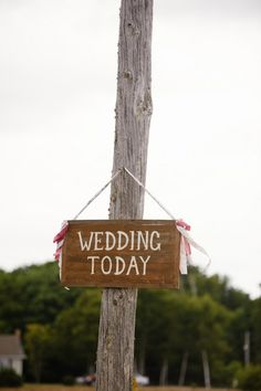 Signage is quite an important wedding detail! // image by Rachel Peters Photography