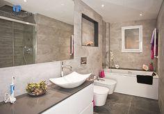 El baño principal se rehabilitó por completo, tanto en diseño como en equipamiento. #bathroom #bcn