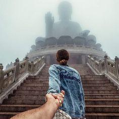 (the photo series by Russian Photographer, Murad Osmann) Murad Osmann, Travel Around The World, Around The Worlds, Amazing Photography, Travel Photography, Discover Hong Kong, Photo Couple, Dream City, Photo Story