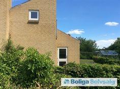 Amaliehøjvej 6, 8543 Hornslet - Smuk arkitektonisk villa på 113 m2 med udsigt til Rosenholm skov. #villa #hornslet #selvsalg #boligsalg #boligdk