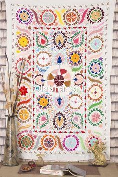 ouzbékistan Suzani Lit Étui à rabat motif floral brodé Couvre-lit double Antique Tissu Courtepointe Hippie Décoration murale Tapisserie de broderie mur suspendu: Amazon.fr: Cuisine & Maison