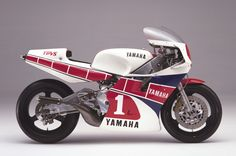 A whiskey a Bourbon a quiet few moments just for you Yamaha Motorcycles, Vintage Motorcycles, Grand Prix, Course Moto, Bike Engine, Gilles Villeneuve, Japanese Motorcycle, Suzuki Gsx, Road Racing