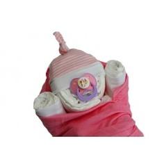 Babybundel wikkel roze.  Dit schattige baby meisje is gemaakt van luiers en ingebakerd in een roze hydrofieldoek. Een fantastische luiertaart om als aanstaande ouders te krijgen, maar ook ontzettend leuk om te geven.