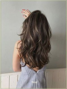 Brown Hair Balayage, Hair Highlights, Sombre Hair Brunette, Medium Brown Hair With Highlights, Best Brunette Hair Color, Brunette With Lowlights, Light Brown Highlights, Caramel Highlights, Bayalage