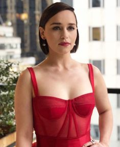 Best Fashion Moments of Emilia Clarke – Celebrities Woman Beautiful Female Celebrities, Beautiful Actresses, Hollywood Actresses, Actors & Actresses, Hollywood Girls, Emilie Clarke, Emilia Clarke Hot, Emilia Clarke Daenerys Targaryen, Most Beautiful