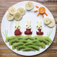 Snacking on fruits Miffy style🐰! 🍌🍓🍊🍌🍓🍊🍓🍌🍊🍌#fruitart #foodart #miffy #banana #strawberry #cheese #kumquat #kiwi #healthy #kids #fruits #easter #bunny #happyeaster