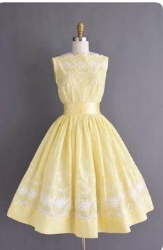 d7c835717afa 1950s Fashion Women, 1850s Fashion, Vintage Fashion 1950s, Vintage 1950s  Dresses, Retro