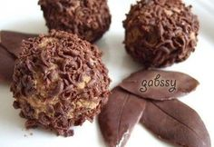 Narancsos gesztenyegolyó Hungarian Desserts, Hungarian Recipes, Creative Cakes, Cake Art, Cake Cookies, No Bake Cake, Cake Recipes, Food And Drink, Sweets