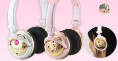 """Sailor Moon and gourmandiseare teaming up for a very special release, two releases in fact!First up is the Metamorphosis/Transformation Broach in white. Secondly the """"Crystal Star Compact set of headphones in Pink. Both of these headphones were created""""Czech"""" stones to achieve """"Elegance and Luxury"""" as well as a look of quality and authenticity.  ...  Read Full Article"""