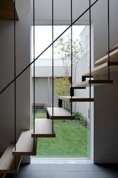 スケルトン階段の魅力を感じる美しいリビング実例 - Yahoo!不動産おうちマガジン