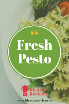Creating a fresh homemade pesto sauce with your blender. Simple homemade recipes for people on the go. Don't miss this classic pesto sauce. Blender Recipes, Gourmet Recipes, Healthy Recipes, Vitamix Recipes, Ravioli, Sauce Enchilada, Sauce Marinara, Sherbet Recipes, Chestnut Cream