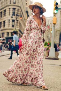 Floral print are 2017 popular style, this long floral dress with deep v-neck design is more fashion and will be popular by ladies and girls. Long length and cotton blend is suit for beach party or casual street wear, be charming with this 2017 new fashion dress.