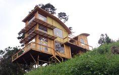 Casa en madera - Anolaima, Colombia TDE #woodarchitecture #wood #madera #casasenmadera #arquitecturaenmadera http://www.tallerdensamble.com