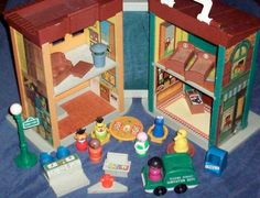 Fisher-Price Toy 938 Little People Play Family Sesame Street House...i have the house from when i was a kid.
