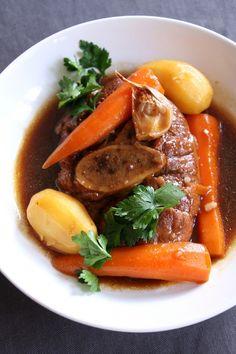 osso bucco 01 Osso Bucco Veau, Curry Stew, Louche, Plats Cuisinés, One Pot Pasta, Beau, Charcuterie, Pot Roast, Stir Fry
