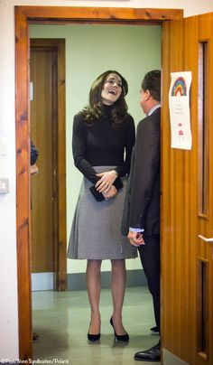 Kate visited Edinburgh, Scotland for Place2Be. She wore the Max Mara Sportmax coat, the Classic Houndstooth Long skirt by Le Kilt, a black turtleneck, Stuart Weitzman 'Power' pumps & her Mulberry 'Bayswater' clutch. - 2/24/2016