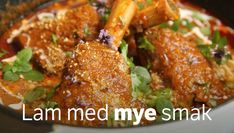 Lammeskanker i curry Asian Recipes, Ethnic Recipes, Tandoori Chicken, Chicken Wings, Lamb, Food And Drink, Meat, Snacks, Corse