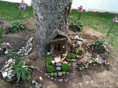 Kid Friendly Tree Trunk Fairy Garden : Finalist in 2014 Fairy Garden Contest : www.theMagicOnions.com by effie