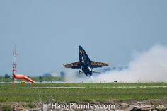 USN Blue Angels solo #5 pulls back hard on the stick on takeoff #avgeek #airshows #photography