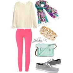 Cute outfit for a college sweetheart
