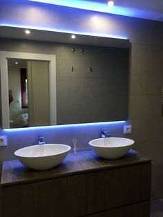 Baño suite Bathroom Lighting, Living Spaces, Barcelona, Led, Mirror, Furniture, Home Decor, Nail Decorations, Flats