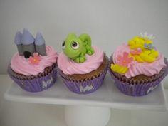 Cupcakes Rapunzel, Rapunzel Cake, Disney Cupcakes, Disney Rapunzel, Tangled Birthday Party, 4th Birthday Cakes, Disney Birthday, Birthday Party Decorations, Themed Cupcakes