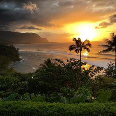 Princeville sunset, Kauai. Give thanks and praises to the most high. #godisthegreatest #life #nature #kauai #family by roh_habibi from Hanalei Bay, Kauai on April 22, 2016 at 06:51PM