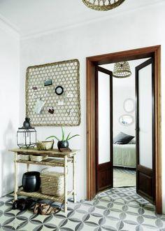 my scandinavian home: A relaxed Danish oasis in Palma, Mallorca Decoration Inspiration, Interior Design Inspiration, Decor Interior Design, Interior Decorating, Decor Ideas, Spanish Apartment, Mediterranean Houses, Turbulence Deco, Design Blog