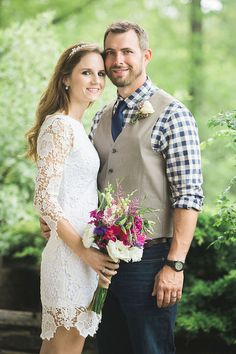 Cassie and Justin's $1,400 elopement planned in just 4 days .Photography by Michelle Hrin. See this beautiful wedding here...@intimateweddings.com #elopements #budgetweddings