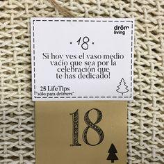 Dröm Living: Especialistas en reformas integrales e Interiorismo en Barcelona Place Cards, Place Card Holders, Vases