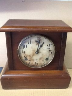 Vintage WM.L. Gilbert Clock Co. Winsted Conn. Pendulum Mantel Clock