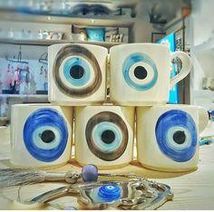 evil eye mugs Pottery Painting, Ceramic Painting, Ceramic Art, Olive Green Wallpaper, Evil Eye Art, Greek Evil Eye, Evil Eye Necklace, Diy Arts And Crafts, Mug Designs
