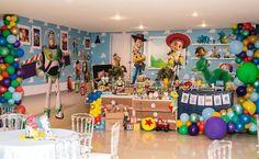 Festa Toy Story: 65 decorações divertidas e tutoriais incríveis Festa Toy Story, Birthday Party Decorations, Birthday Ideas, Toys, Inspiration, Ideas Cumpleaños, Lucca, Lincoln, Aurora