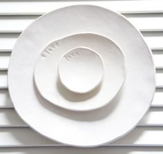 lookslikewhite:    ceramics by Trudy Crane for lookslikewhite  photo Chloe Crane-Leroux