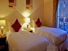 Dublin family hotels: Only the best places to stay with kids in the friendly town of Dublin! Check out these hotels and holiday apartments. Holiday Apartments, Dublin, Family Travel, Townhouse, The Good Place, Bed, Places, Hotels, Furniture