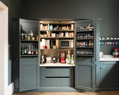 The Bloomsbury WC1 Kitchen by deVOL