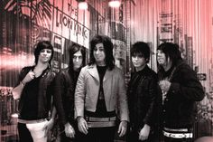 Falling In Reverse | Falling In Reverse Stopped By MTV, We Made A GIF Of Their Visit